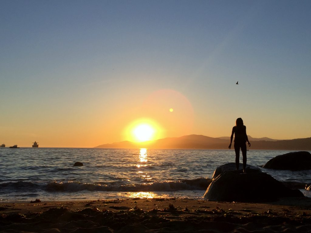 sunset-third-beach-vancouver